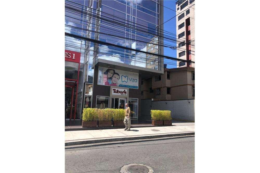 Oficina de Alquiler en Iñaquito, Centro de Quito, Cerca de todo, Paulina Manosalvas