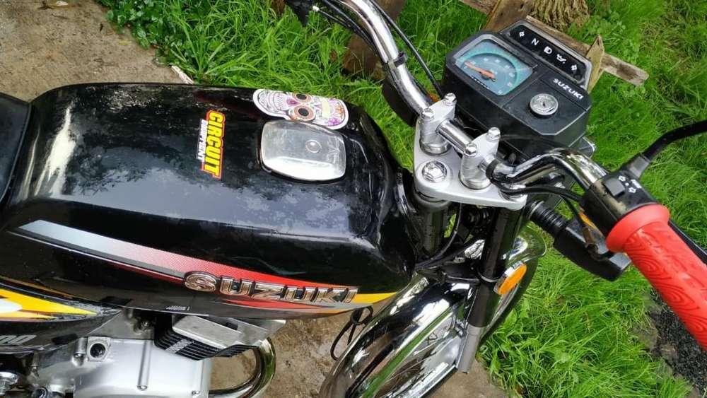 Vendo Suzuki Ax100