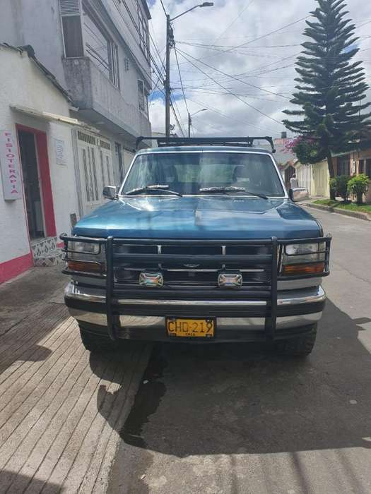 Ford Bronco 1993 - 236815 km