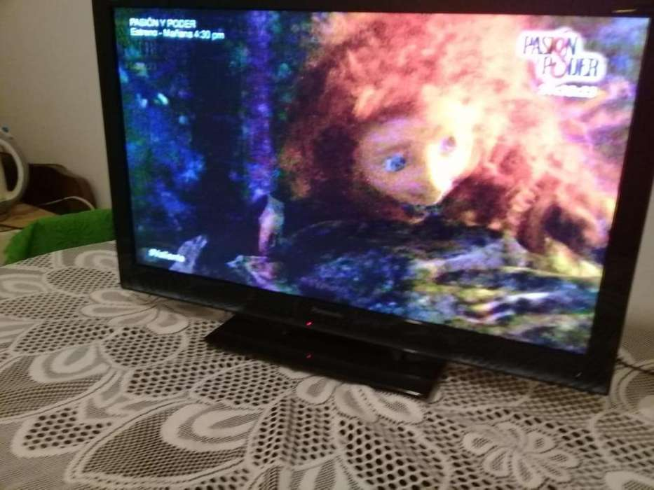 TELEVISOR LED A COLOR PANASONIC DE 32