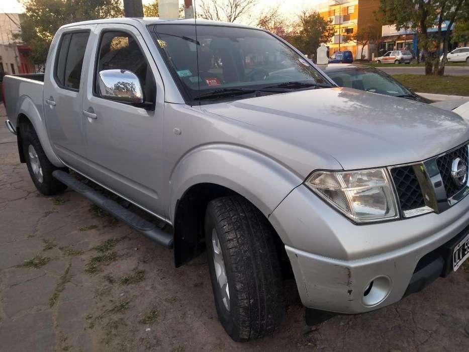 Nissan Frontier 2011 - 180000 km