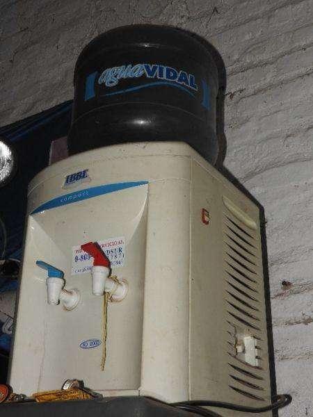 Dispenser agua fria y caliente