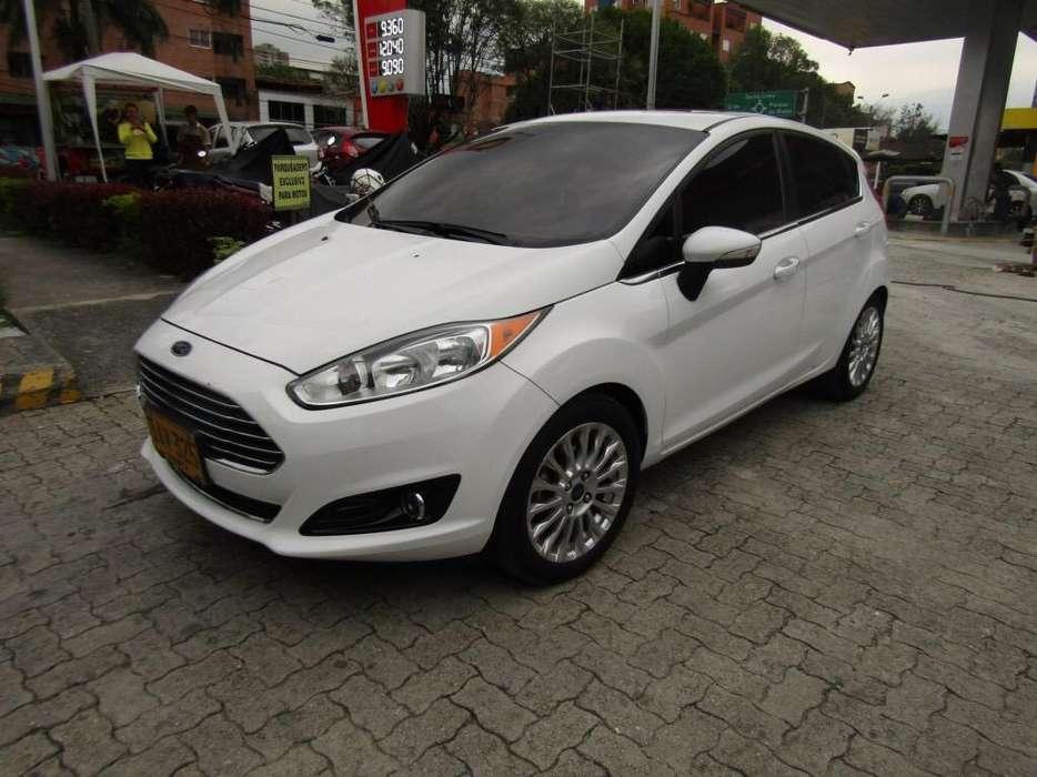 Ford Fiesta  2015 - 53000 km