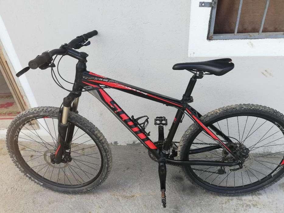 Vendo Bicicleta Scott Aro 26, 30 Vel