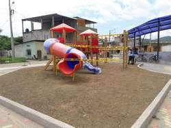 Juegos infantiles de madera y polietileno de alta resistencia Equipos biosaludables