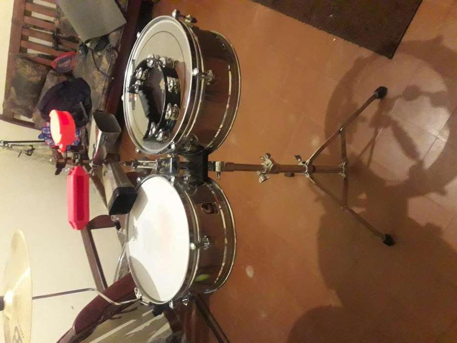 Timbal Toca T315 COMPLETO 25000 acepto permutas