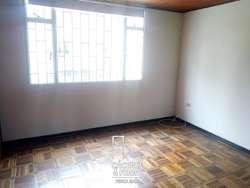 Casa En Arriendo En Bogota Normandia Cod. ABCYF21365