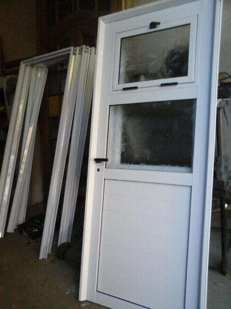 <strong>puertas</strong> de Aluminio