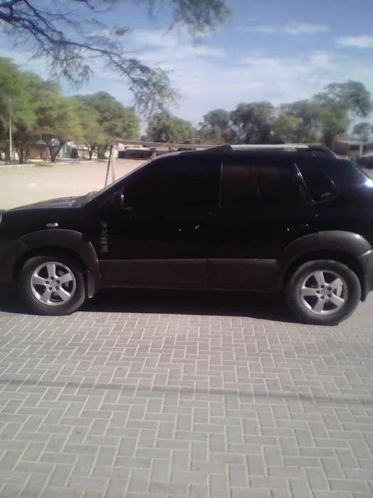 Hyundai Tucson 2008 - 180000 km