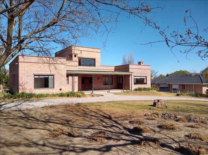 Hermosa Casa en EL Tipal