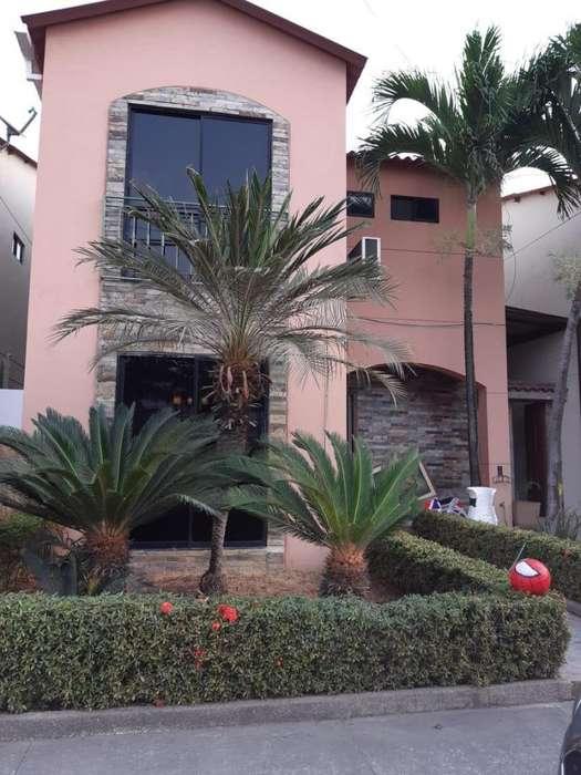 Renta de Casa en urbanización Villa club, cerca a la Aurora