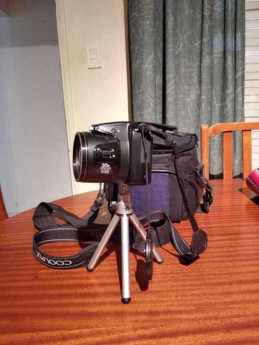 Nikon L 820 con Bolso, Pilas Recargables