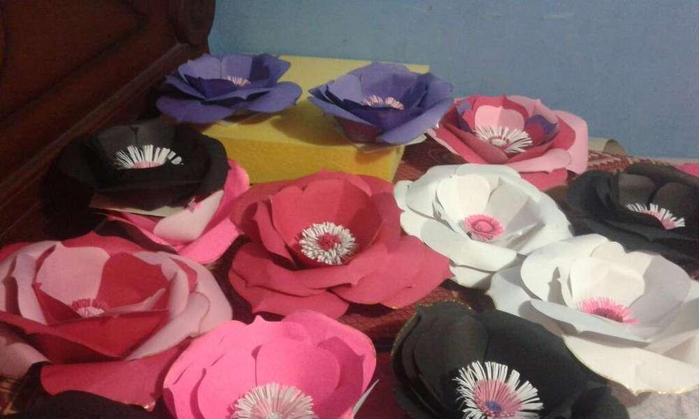 Vendo Flores Decorativas de Cartulina