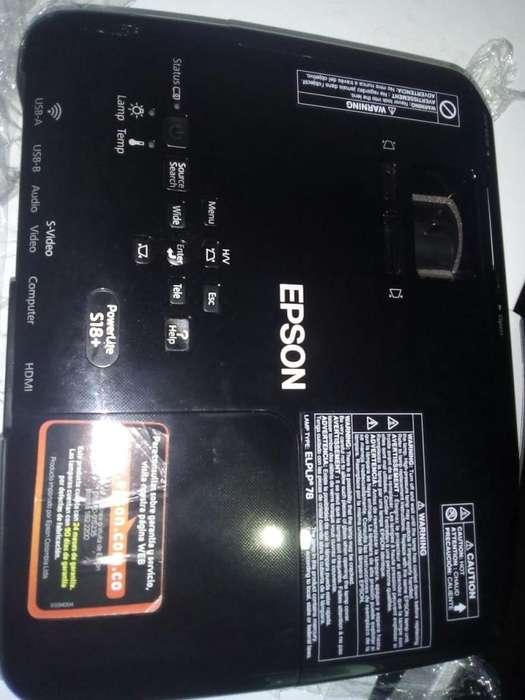 Vídeo proyector Epson Power Lite S18..Excelente estado
