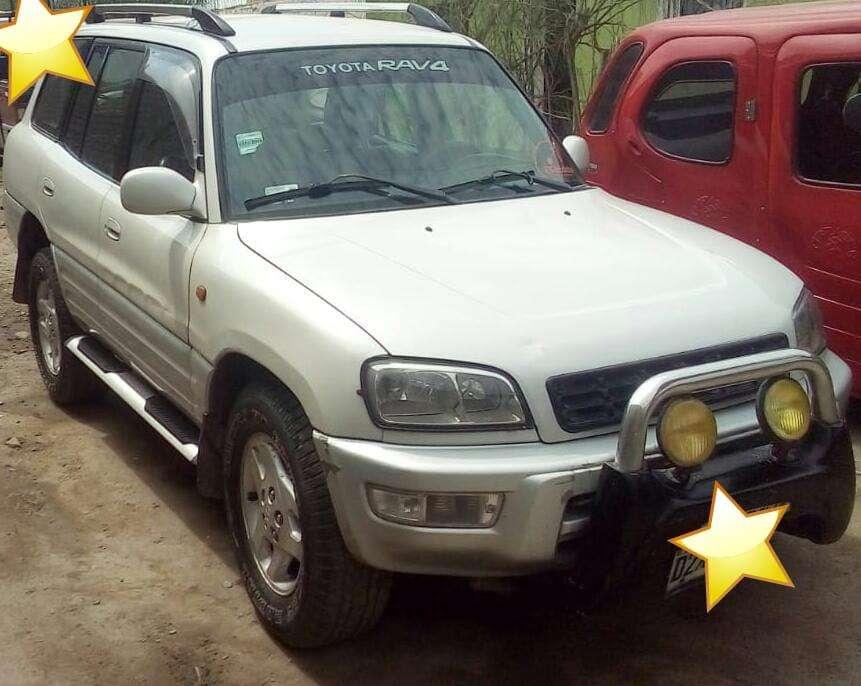 Toyota RAV4 1998 - 100000 km