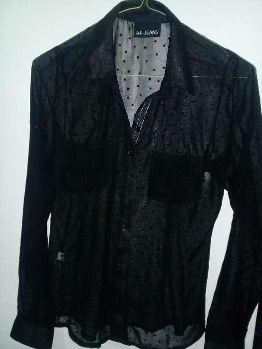 Camisa Negra Corazones