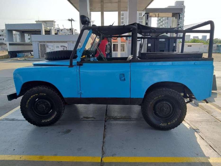 Land Rover <strong>santana</strong> 1967 - 150000 km