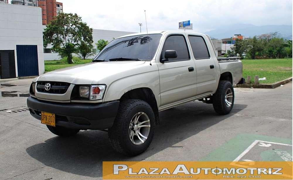 Toyota Hilux 2004 - 198000 km