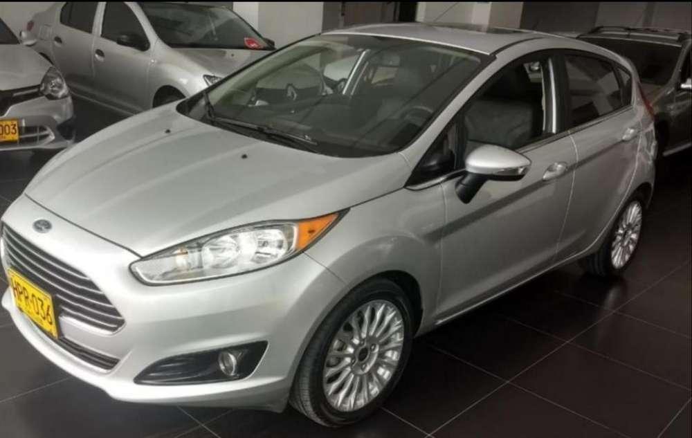 Ford Fiesta  2014 - 54000 km