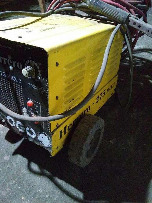 Maquina de Soldar Dogo 275 Usada Andando