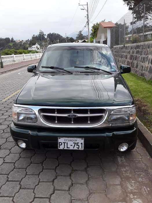 Ford Explorer 1998 - 330000 km
