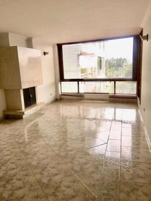 Apartamento En Arriendo/venta En Bogota Lagartos Cod. ABREI-4200057