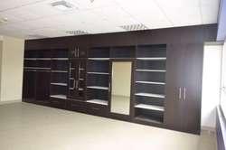 Oficina de Venta 46 mts Parque Empresarial Colon