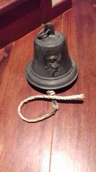 Campana de bronce 1815