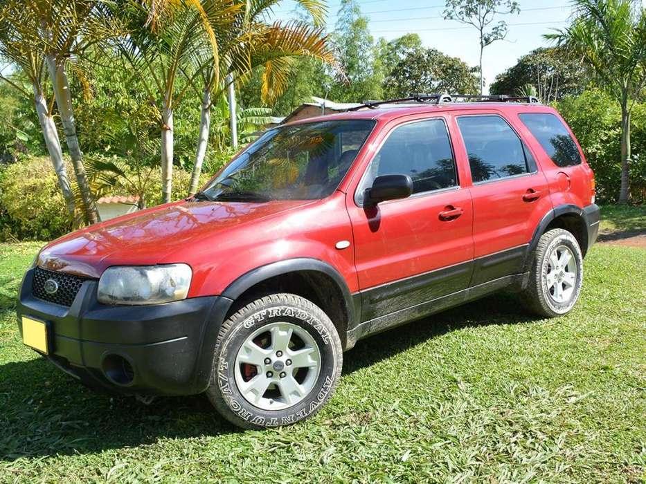 Ford Escape 2006 - 140000 km