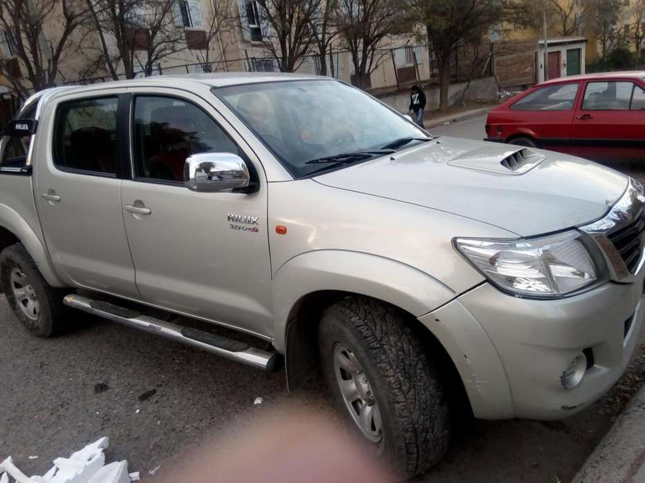 <strong>toyota</strong> Hilux 2013 - 123000 km
