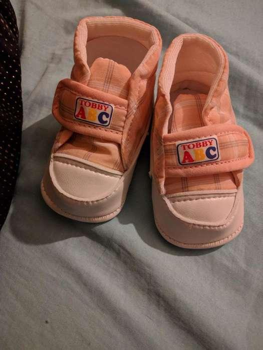 Zapatillas Nuevas de Bebé!
