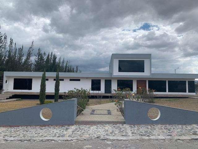 Casa de Venta en Pichincha, Pedro Moncayo Barrio San Juan de Malchingui a una hora de Quito