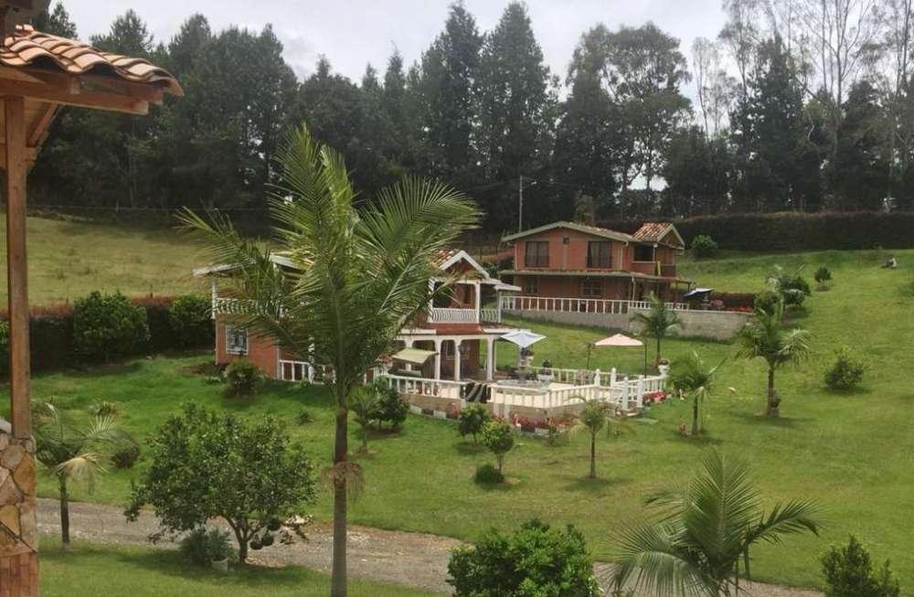 Espectacular Lote con 5 Casas Campestres en Guarne. Código: 830671