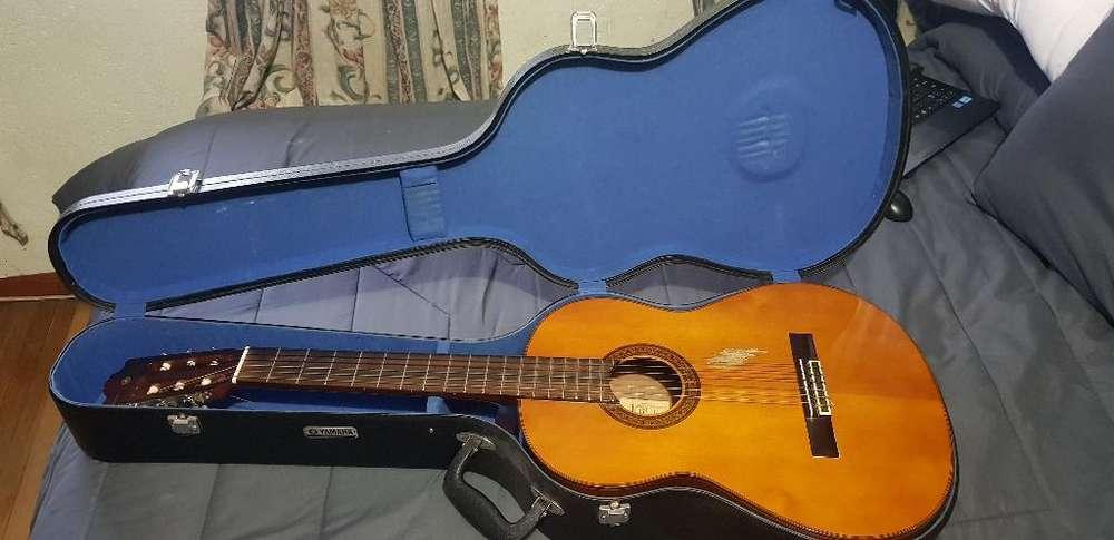 Guitarra Yamaha G-230