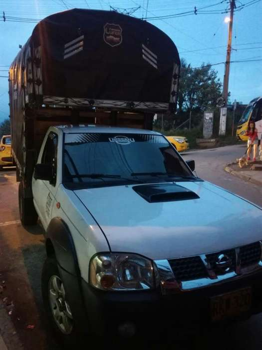 Nissan Frontier 2012 - 134000 km