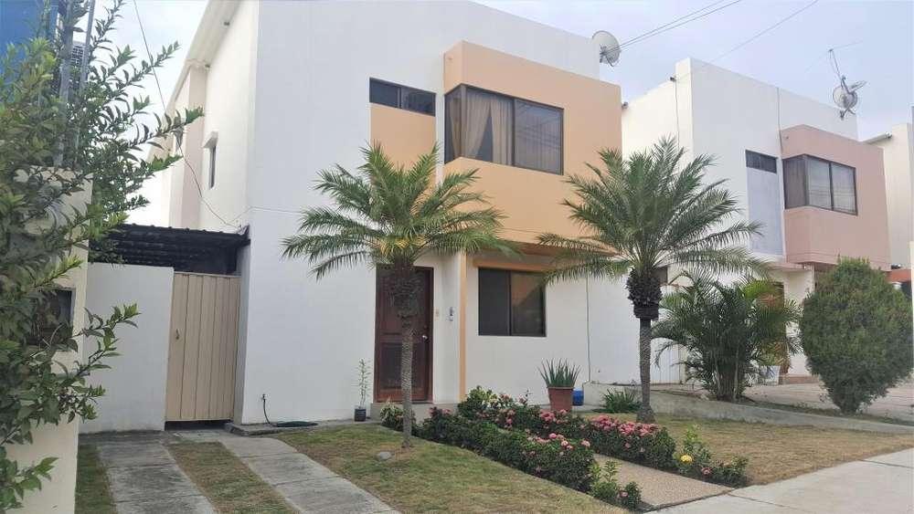 En Manta se alquila casa de 3 dormitorios en Urbanizacion <strong>ciudad</strong> del Sol