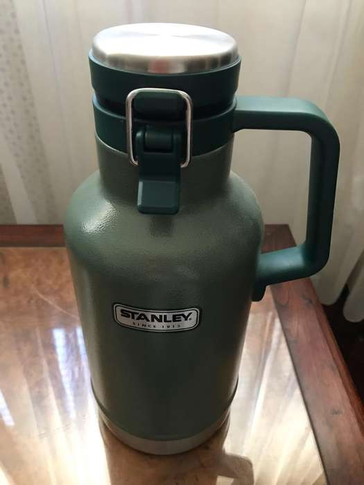 Growler stanley original botellon 1.9lts
