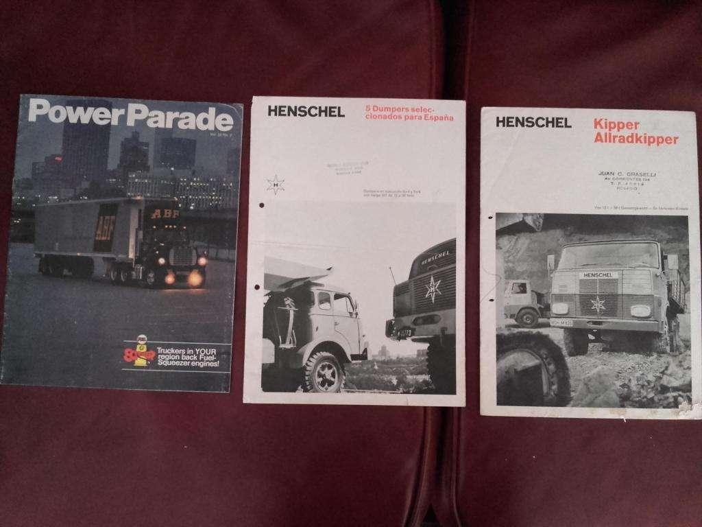 Lote De Catálogos De Camiones