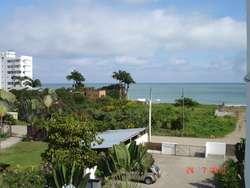 Rento departamento en Tonsupa, a una cuadra de la playa