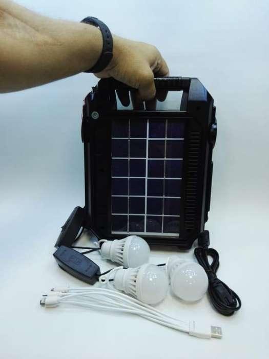 Radio Multifuncional con Panel Solar