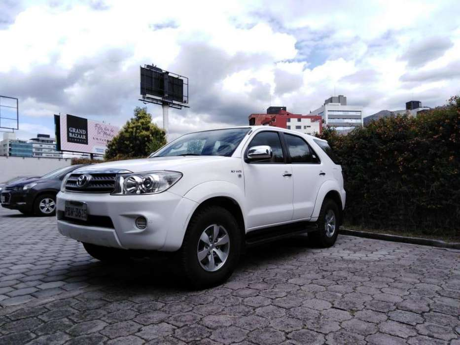 Toyota Fortuner 2012 - 127000 km