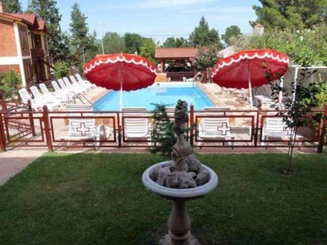 gt68 - Cabaña para 2 a 5 personas con pileta y cochera en Villa De Merlo