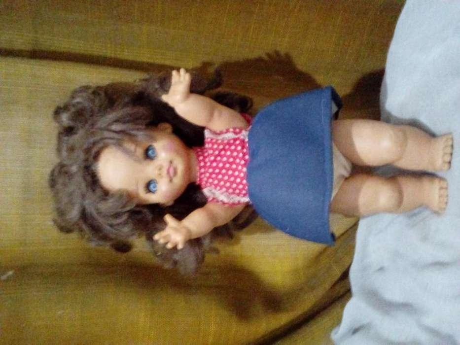 Vendo lote de 3 muñecas antiguas de coleccion. Rayito de sol y Barbies
