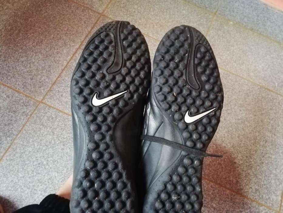 Vendo (no permuto) botines Nike Hypervenom futbol salon