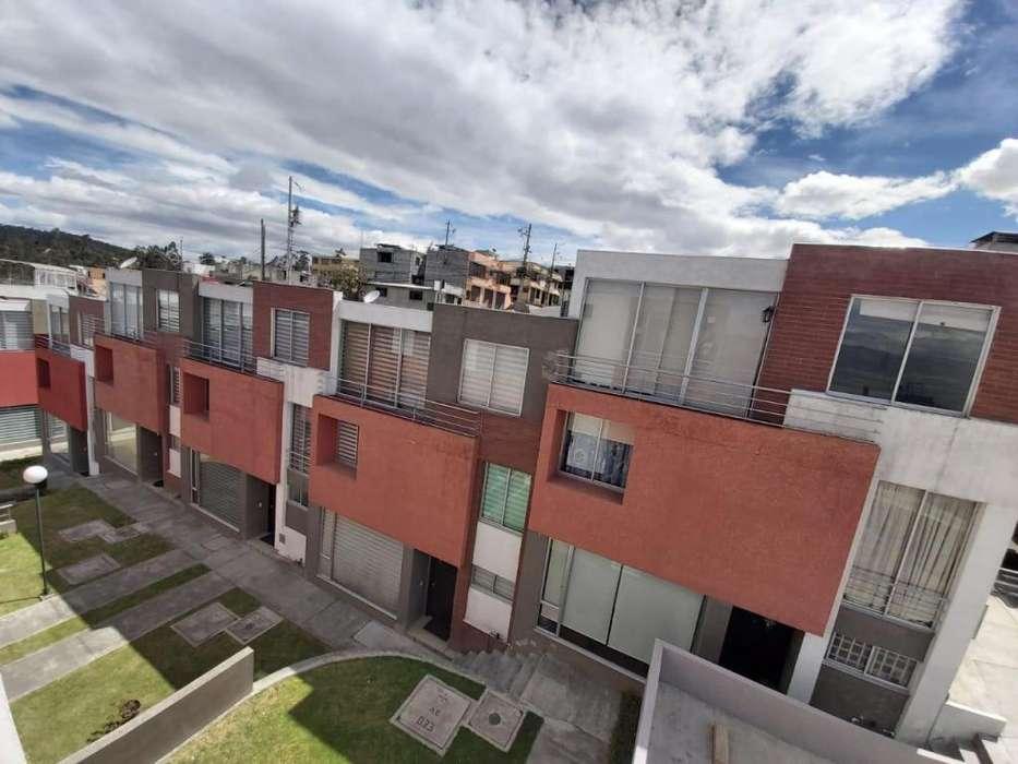 Sector San Isidro del Inca, Casa de Arriendo, 110 m² con hermosa vista