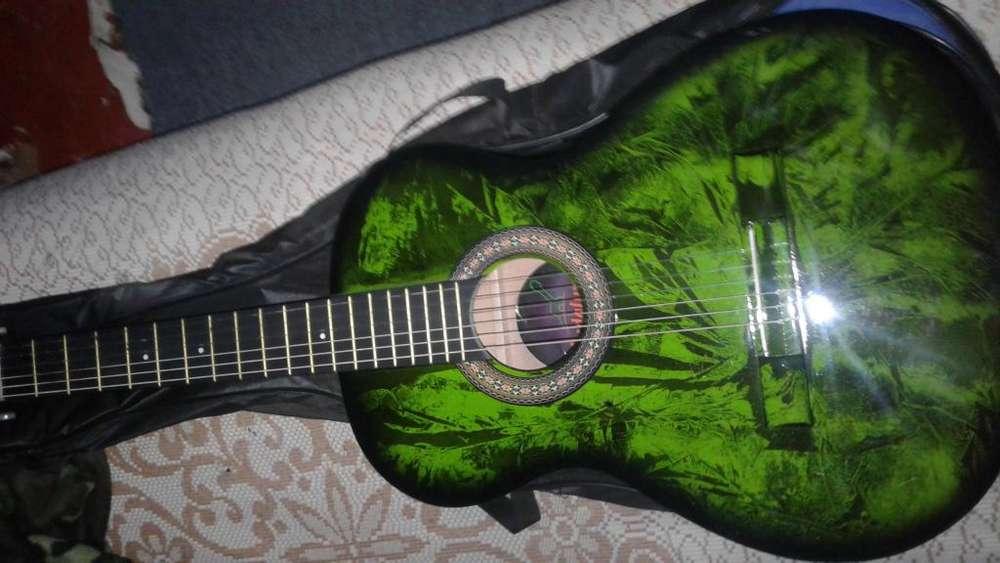 Guitarra acustica vendo