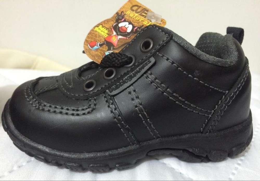 Tenis Zapato escolar cuero Talla 22 bubble gummers