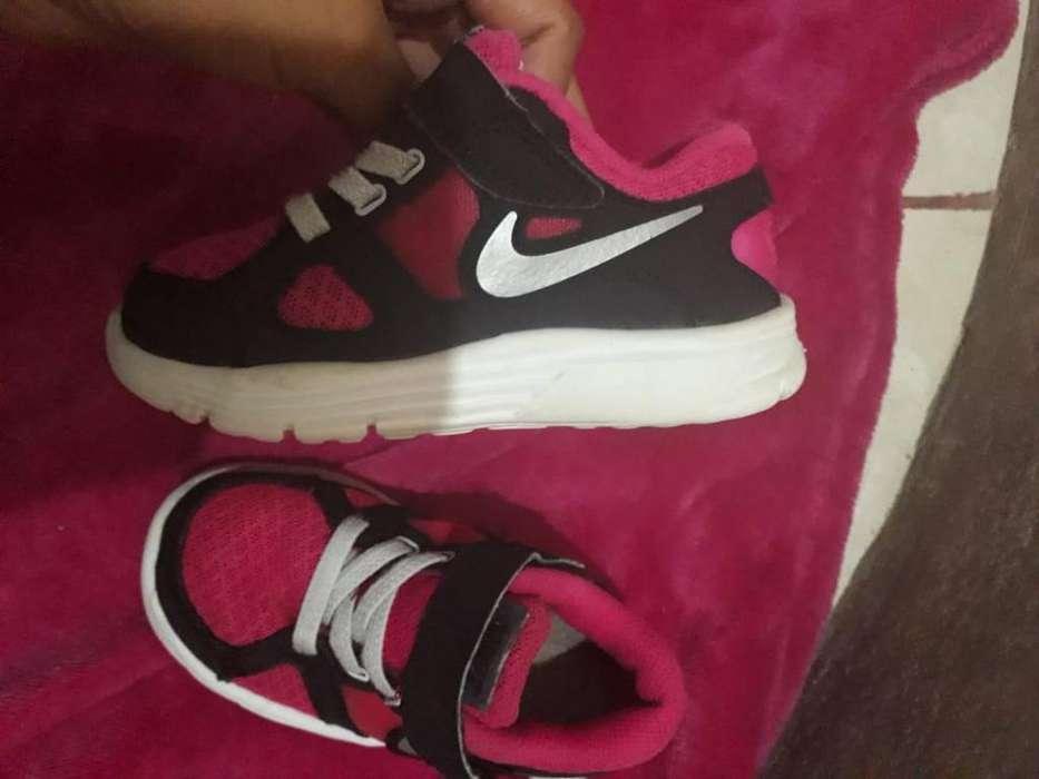 Vendo Zapatillas Nike Orginal Nena