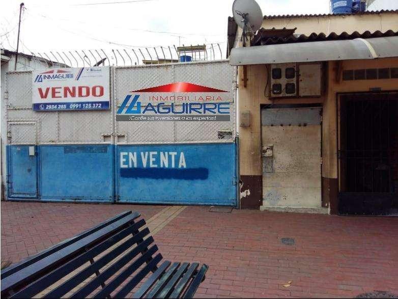 Vendo Local Comercial Bolivar y 10 de Agosto Centro de Machala