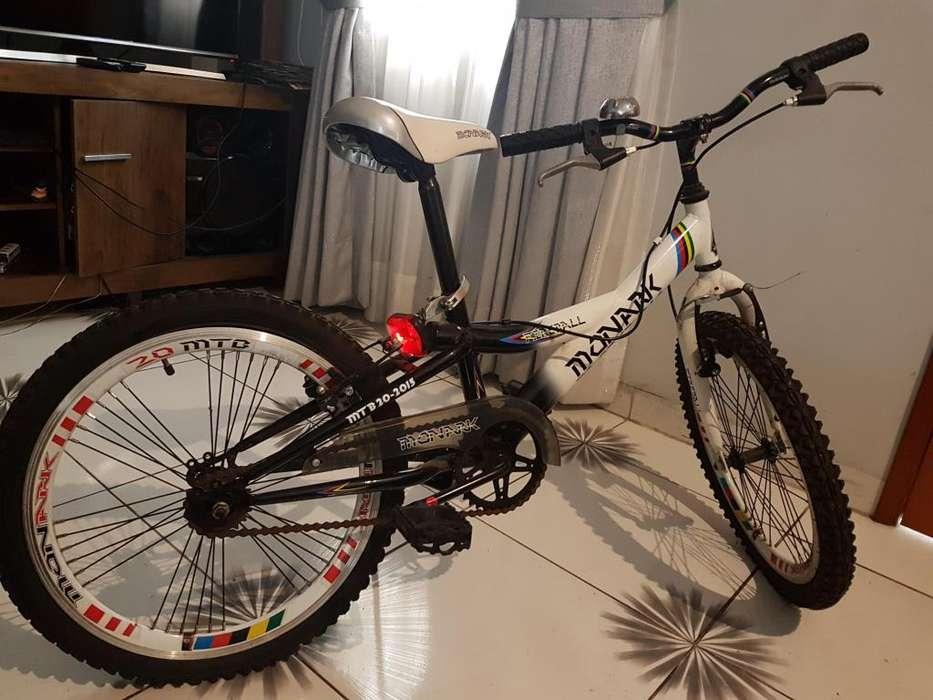 Bicicleta nueva para niño